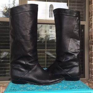Dr. Scholl's Tall Black Leather Lizard Print Boots